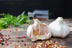 Fresh garlic and italian kitchen herbs - oregano, basil, marjora Royalty Free Stock Photos