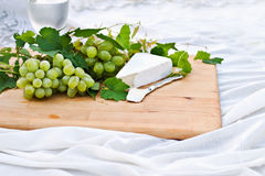 Fresh Grapes and Brie Cheese Royalty Free Stock Images