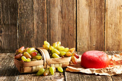 Fresh grapes and cheese Royalty Free Stock Photography