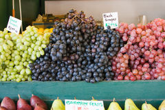 Fresh grapes at farmers market Royalty Free Stock Photos