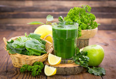 Fresh green smoothie Royalty Free Stock Photos