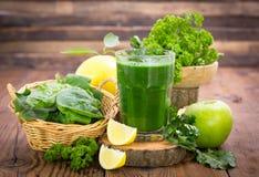 Fresh green smoothie Royalty Free Stock Photos