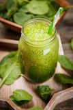 Fresh green smoothie Royalty Free Stock Images