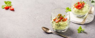 Fresh guacamole sauce Royalty Free Stock Images