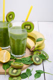 Fresh and healthy green smoothie Stock Photography