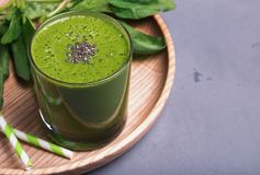 Fresh and healthy spinach smoothie in a glass Royalty Free Stock Photography