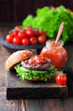 Fresh homemade burger Royalty Free Stock Photography