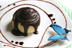 Fresh homemade chocolate roll Royalty Free Stock Photography