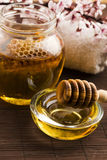 Fresh honey with honeycomb Royalty Free Stock Photography