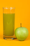 Fresh juice and green apple Royalty Free Stock Images