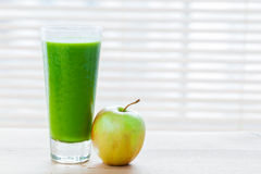 Fresh juice from green vegetables and fruits. Healthy vitamin drink. Royalty Free Stock Photos