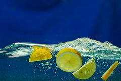 Fresh lemon  in water Stock Photography