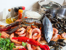Fresh lobster and other seafood Royalty Free Stock Photos