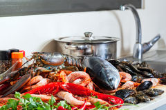 Fresh lobster and other seafood Royalty Free Stock Images