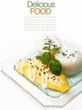 Fresh mango & Coconut cream with sweet sticky rice Stock Images