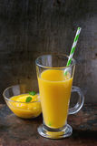 Fresh mango smoothie Royalty Free Stock Photography