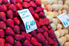 Fresh market produce at an outdoor farmer's market Royalty Free Stock Images