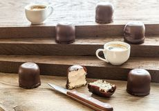 Fresh marshmallows with two cups of coffee Royalty Free Stock Photo