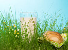 Fresh milk and bread Royalty Free Stock Images