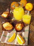 Fresh orange juice and muffins Royalty Free Stock Photos