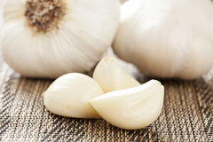 Fresh Organic Garlic Cloves Royalty Free Stock Photos