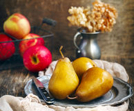 Fresh organic pears and apples Royalty Free Stock Photography