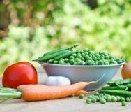 Fresh organic peas Royalty Free Stock Photos