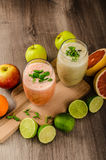 Fresh organic smoothie Royalty Free Stock Photos