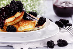 Fresh Pancakes and Blackberries Royalty Free Stock Photos