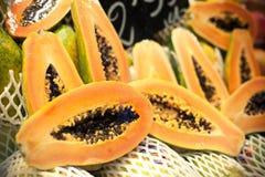Fresh papayas. Many fresh papayas at the market Royalty Free Stock Image