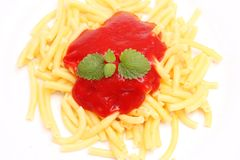 Fresh pasta. Some fresh pasta with a sauce of tomatoes Royalty Free Stock Photos