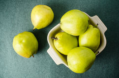 Fresh pear fruit in a bowl Royalty Free Stock Photography