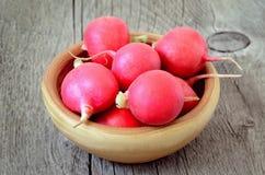 Fresh radish in bowl Stock Photography