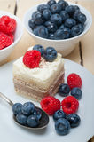 Fresh raspberry and blueberry cake Stock Photography