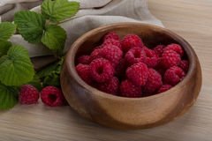 Fresh raspberry. With leaf in the bowl Royalty Free Stock Photo