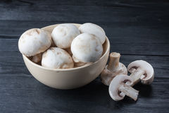 Fresh raw champignons Royalty Free Stock Photography