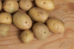 Fresh raw potatoes Royalty Free Stock Images