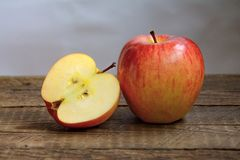 Fresh red apple Royalty Free Stock Photography