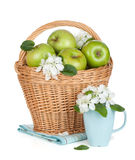 Fresh ripe green apples in basket Royalty Free Stock Photos