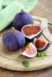 Fresh ripe purple figs Royalty Free Stock Photos
