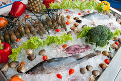 Fresh Seafood in restaurant display Royalty Free Stock Photos