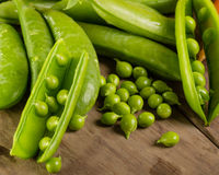 Fresh shelled  green peas Royalty Free Stock Photography