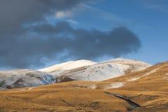 Fresh snow dusting on mountain range, New Zealand Stock Photos