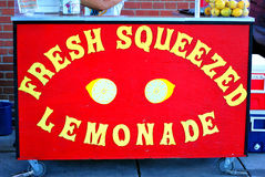 Fresh squeezed lemonade stand. Royalty Free Stock Photography