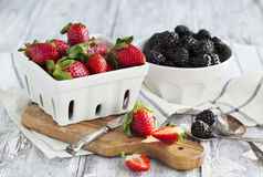 Fresh strawberries and blackberries Royalty Free Stock Images