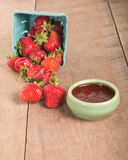 Fresh strawberries and homemade preserves Royalty Free Stock Photography