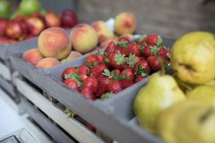 Free Fresh Strawberries, Peaches And Pears Royalty Free Stock Image - 117128736