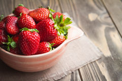 Fresh strawberries on a table Royalty Free Stock Photography
