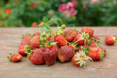 Fresh strawberries on wooden table Royalty Free Stock Photography