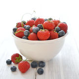 Fresh strawberry and blueberry Royalty Free Stock Photography